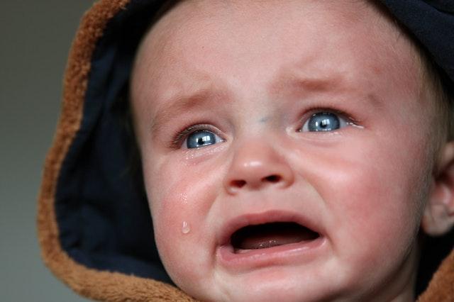newborn-crying-and-newborn-colic