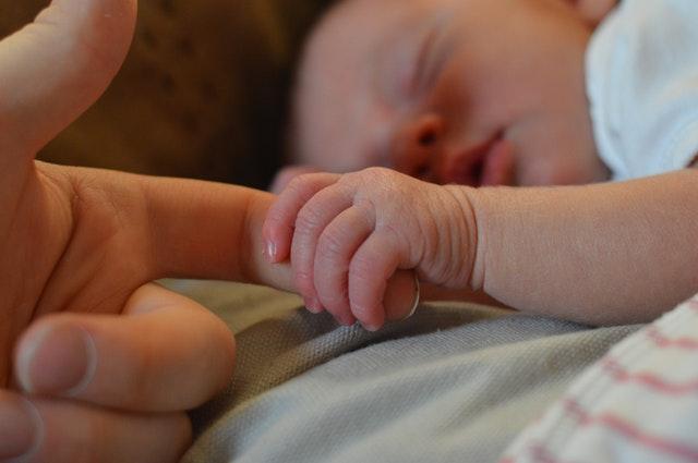 newborn-reflux